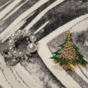 Lot of 2 brooches Christmas pins Tree and wreath